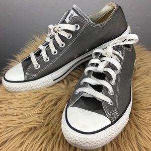 Unisex Gray low-top converse men's 8 or women's 10